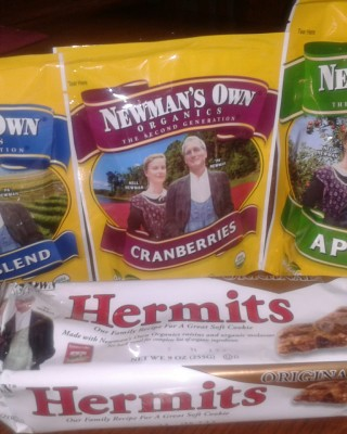 Newman's Own Organics review and recipe: Berry Sweet Pancakes and Cranberry Cole Slaw