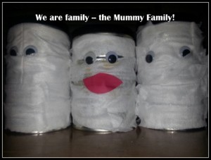 Halloween recycled can craft:  Mummy, Daddy and Me