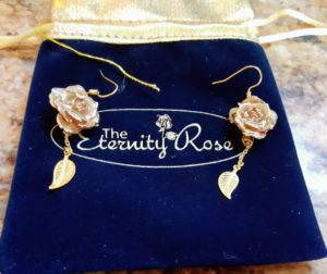 Memorable, Meaningful and Magical Gifts: The Eternity Rose Collection #HGG