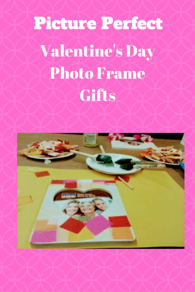Kids Crafts: Picture Perfect DIY Valentine\'s Day Photo Frame Gifts
